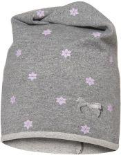 Krásná čepice plná hvězdiček.